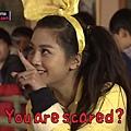鬼鬼指著澤演: 你害怕齁XD