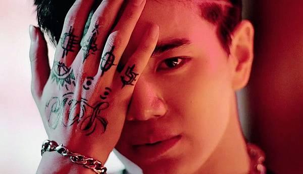 Back MV -成鍾