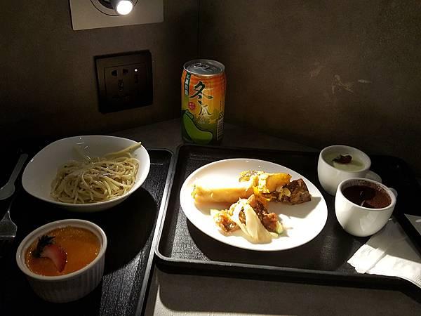 檯燈讓食物變得好高檔