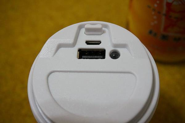 city cafe行動電源05530.JPG