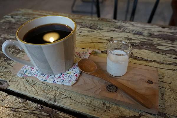 知鳥咖啡 (36).JPG