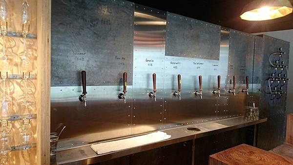 beer bar (17).jpg