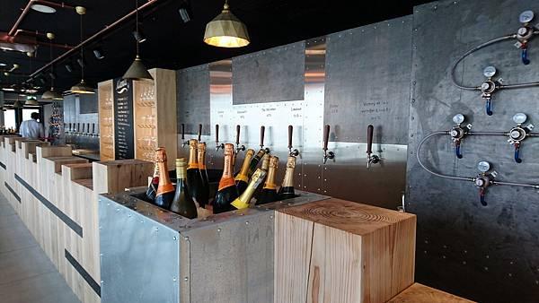 beer bar (34).jpg