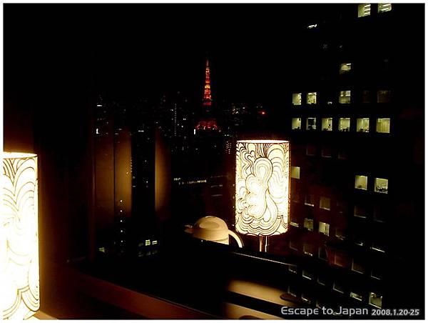 往左邊看可以看到東京鐵塔