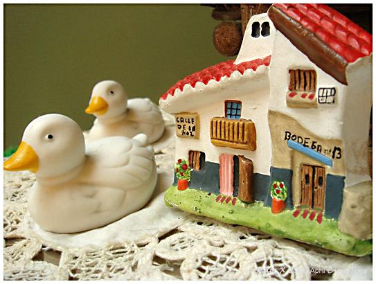 民宿裝飾品-鴨鴨跟房子