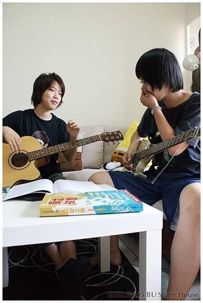 鄉村民謠歌手 VS 電吉他rocker + 療傷系演奏家