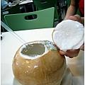 阿斑的椰子汁 那個椰肉超厚的!!!!