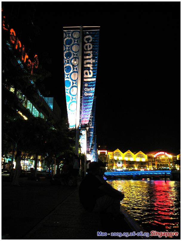 新加坡畢竟在赤道附近 晚上還是滿熱的