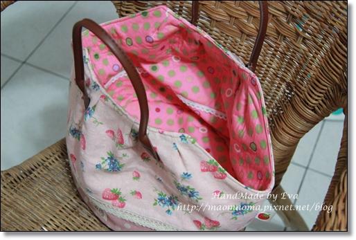 草莓圓桶包04.JPG
