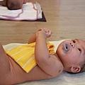 嬰兒按摩二-081