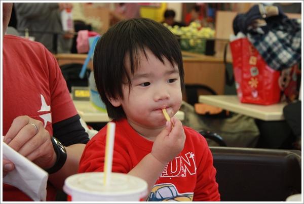 麥當勞慶生033.JPG