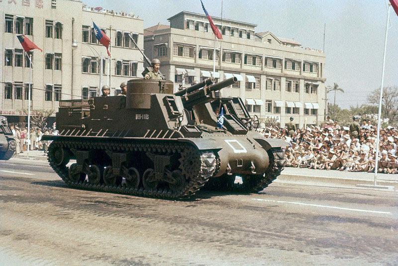 1956年,在台北阅兵仪式.jpg