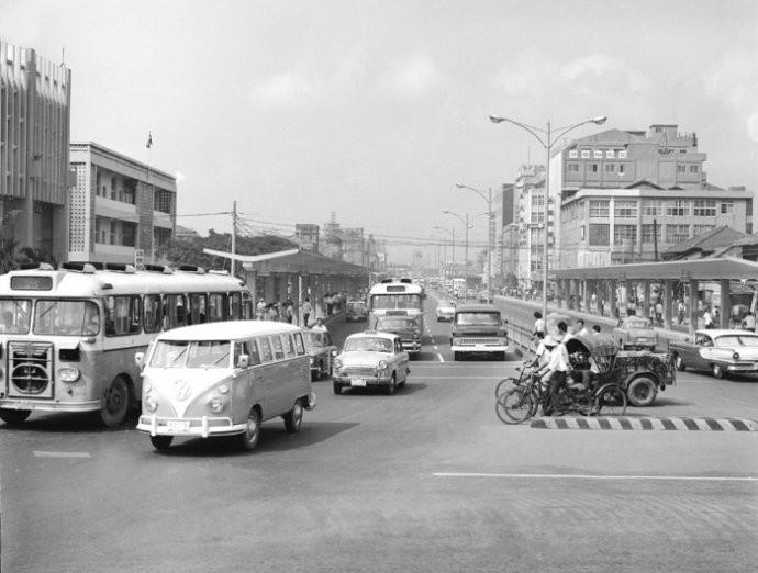 1972年,城市交通.jpg