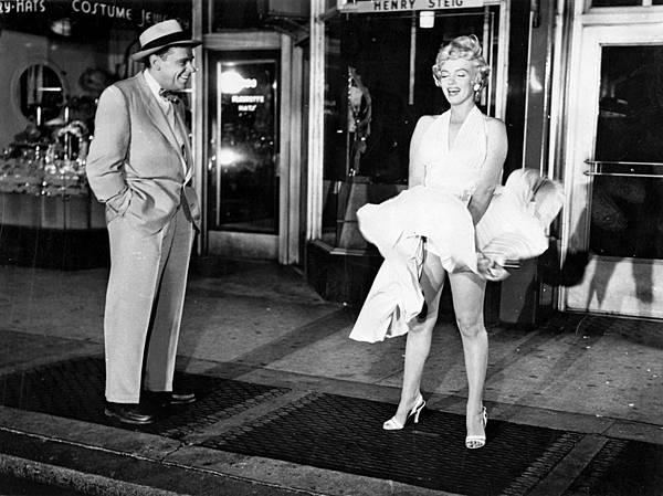 Tom-Ewell-Marilyn-Monroe-The-Seven-Year.jpg