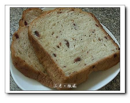 第一次的麵包機吐司.jpg