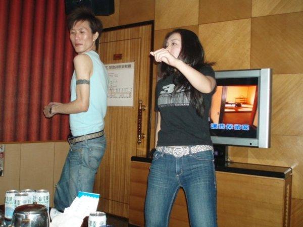 唱歌跳舞喝酒划拳走秀表演