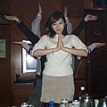 錢櫃很操,特務很忙,要唱歌跳舞喝酒划拳還要會演戲!