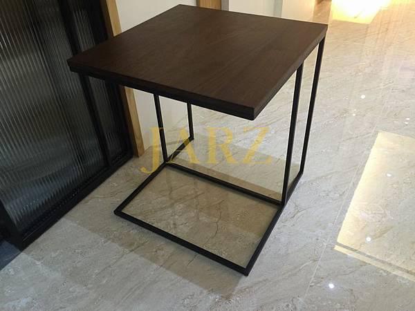 Minotti Side Table (2)