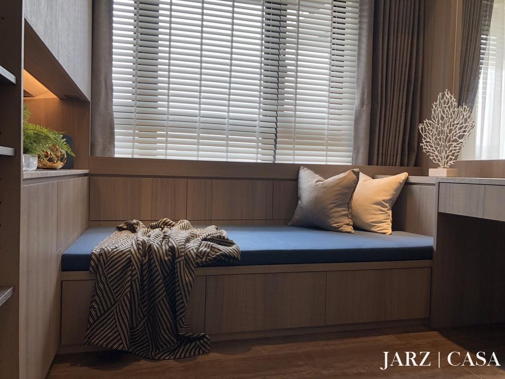 JARZ032.JPEG