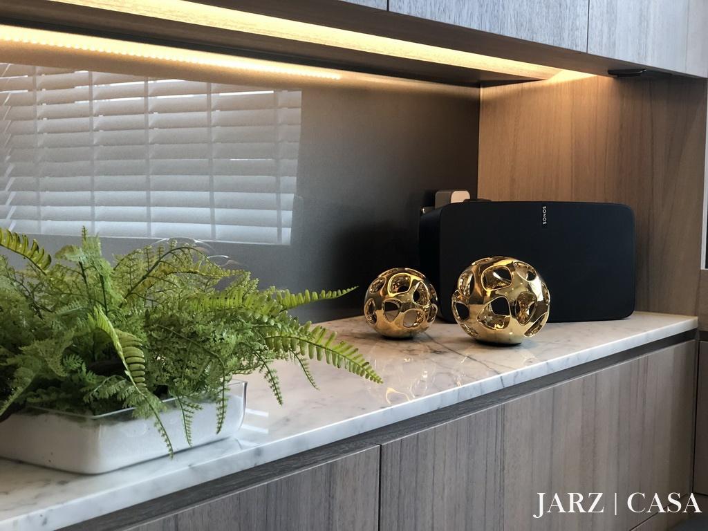 JARZ033.JPEG