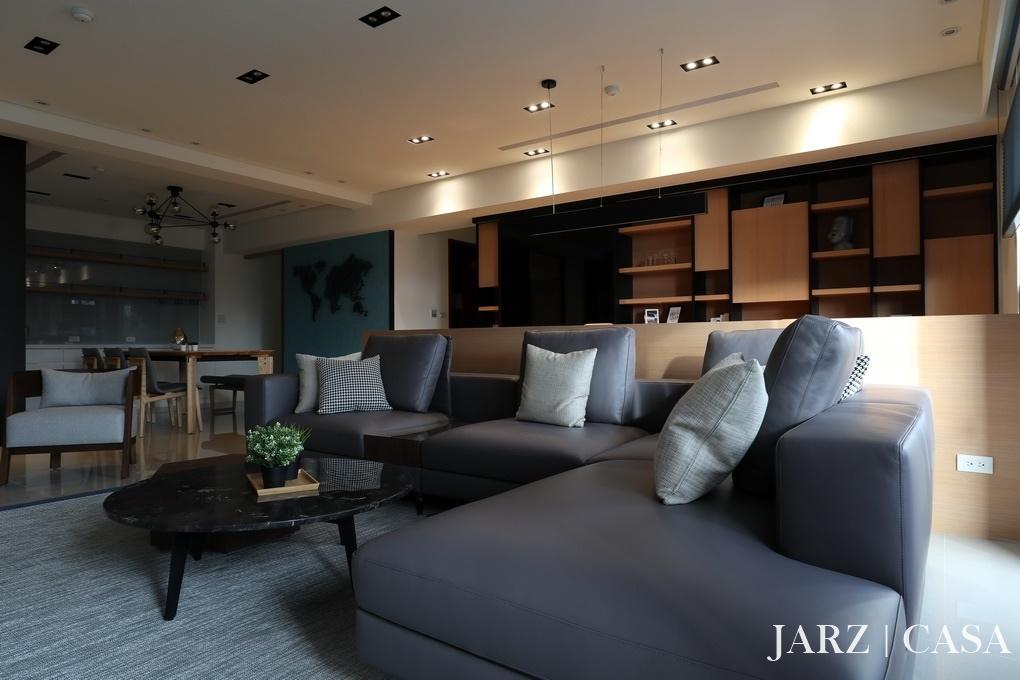 JARZ063.JPG