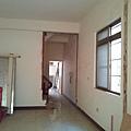 施工中-二樓客廳門也加大加寬
