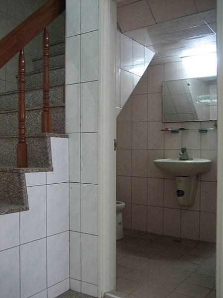 施工前-一樓小廁所
