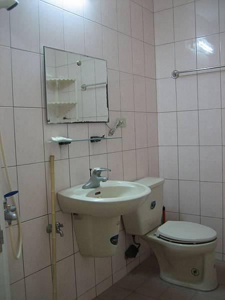 施工前-二樓浴室