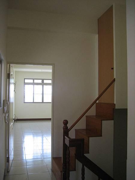 施工前-三樓樓梯間有一個小儲藏室