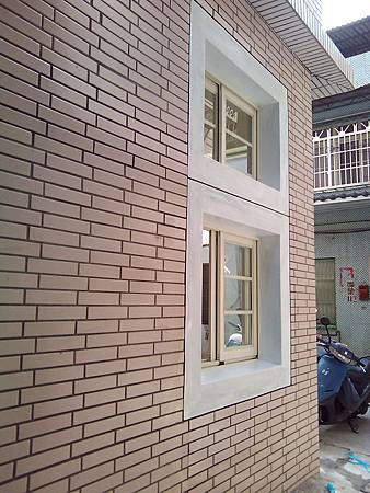 側牆-完工後(鐵窗安裝前)