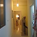 三樓從儲藏室看房間