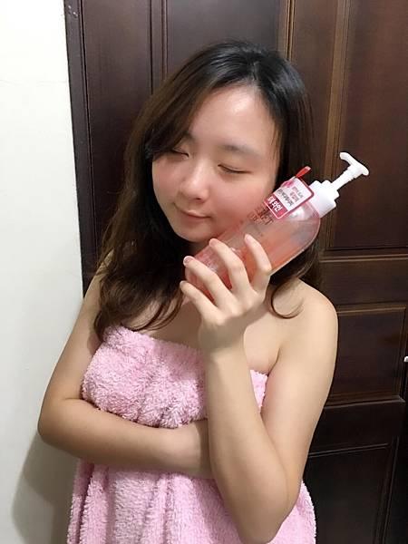 玫瑰香檳沐浴乳4.JPG