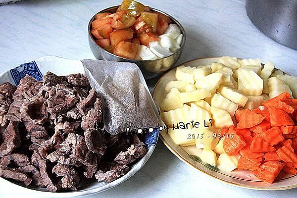 牛肉燴飯-02
