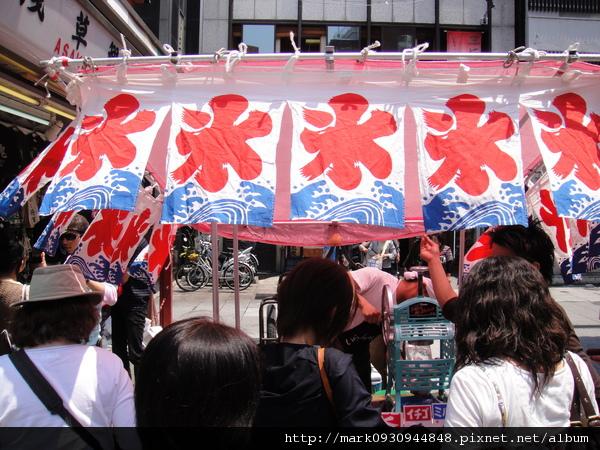 在淺草寺入口有個祭典一定會出現的剉冰角攤