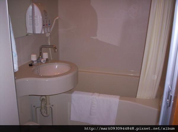 有浴缸可以泡澡