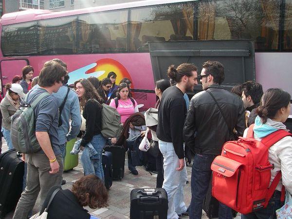 一群人就是坐這台巴士.JPG