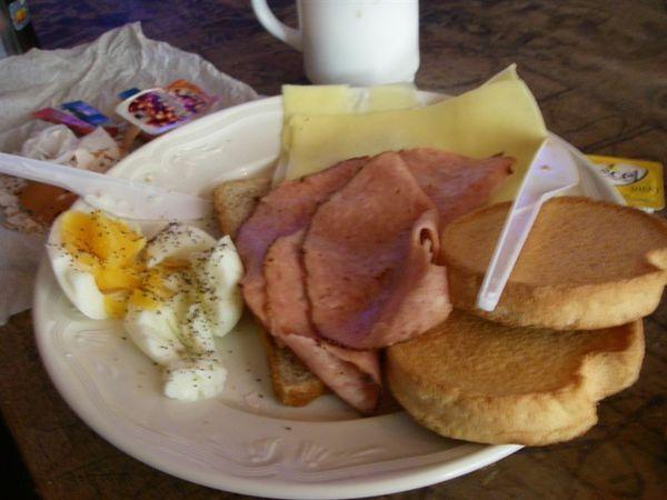 Hotel附的早餐.JPG
