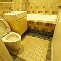 主臥衛浴壁地磚特寫