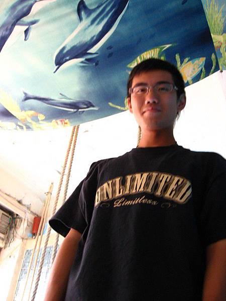 威愷(上面好像在水族館XDD)