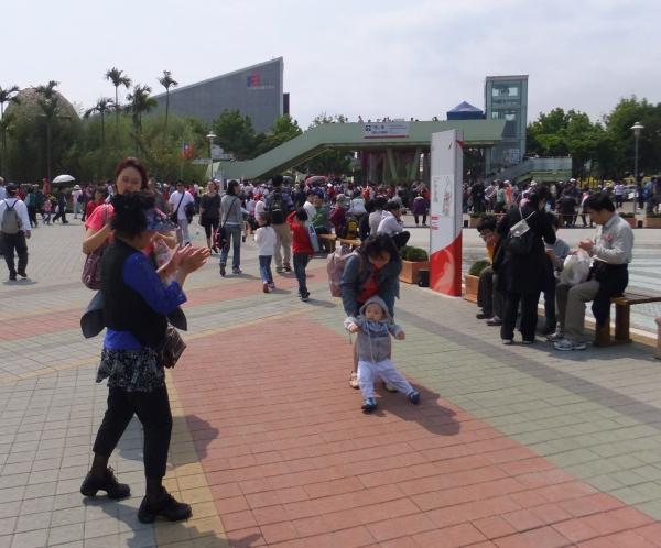 2011_0409_mark_016.jpg