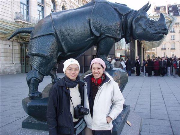 奧賽美術館前的犀牛.JPG