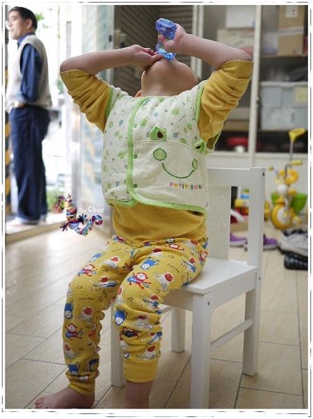 IKEA 兒童桌椅-5.jpg