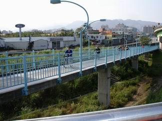 秀朗橋新店端引道-2