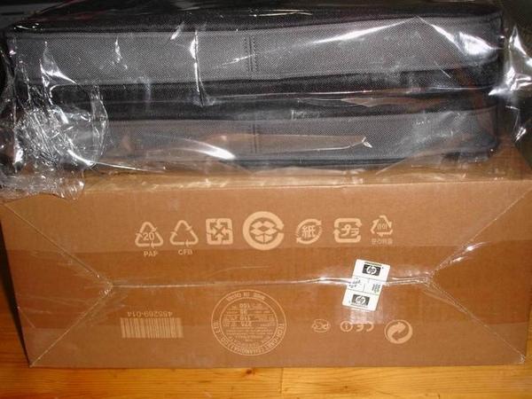 01-電腦包與外箱疊疊樂