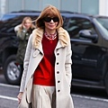 anna-wintour-v-sweater