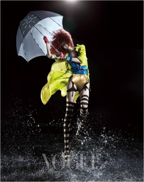 Shin-Jae-Yi-Vogue-Korea-July-2010-2