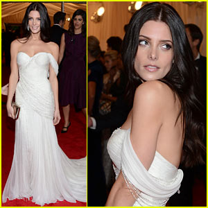 ashley-greene-met-ball-2012