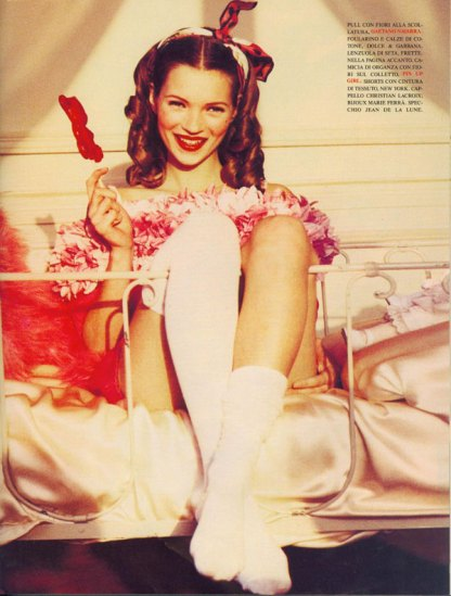 kate-moss-by-ellen-von-unwerth-1992-vogue-italia-charming-lolita