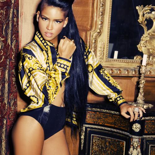 la-modella-mafia-Versace-print-Cassie