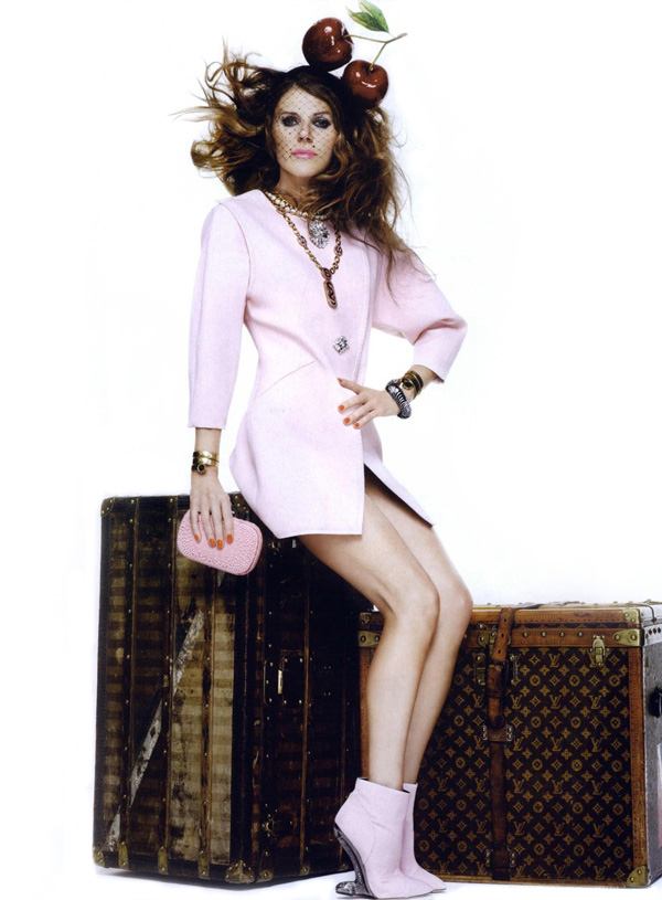 Anna-Dello-Russo-For-10-Magazine-by-Giampalo-Sgura-24112010-11111